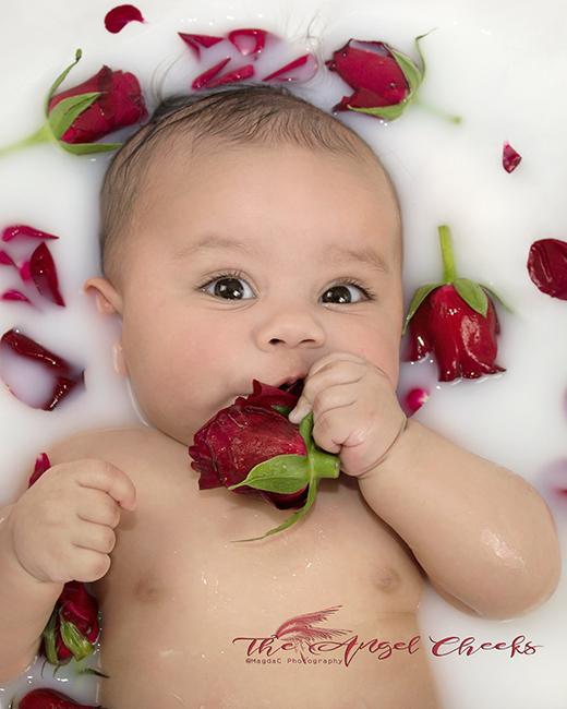 Baby Photographer High Wycombe Bucks Sitter