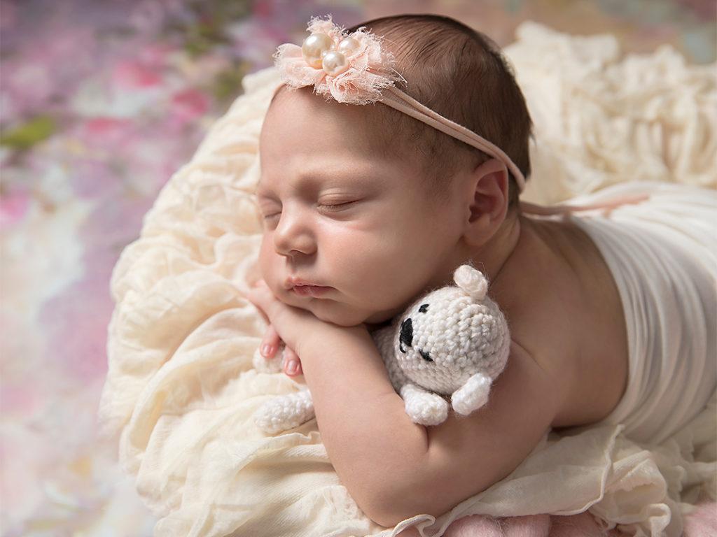 Sleepy baby girl newborn photographer buckinghamshire