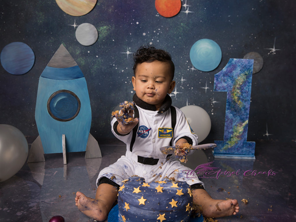 cake smash photographer high wycombe galaxy theme