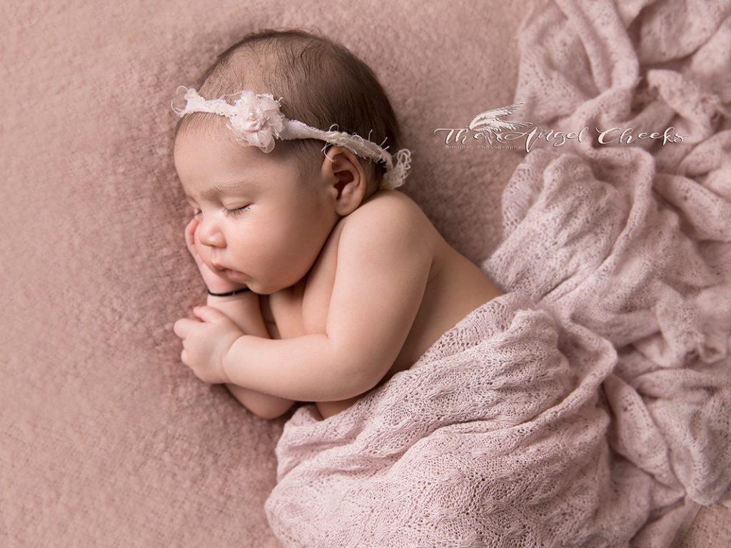 Newborn photographer High Wycombe