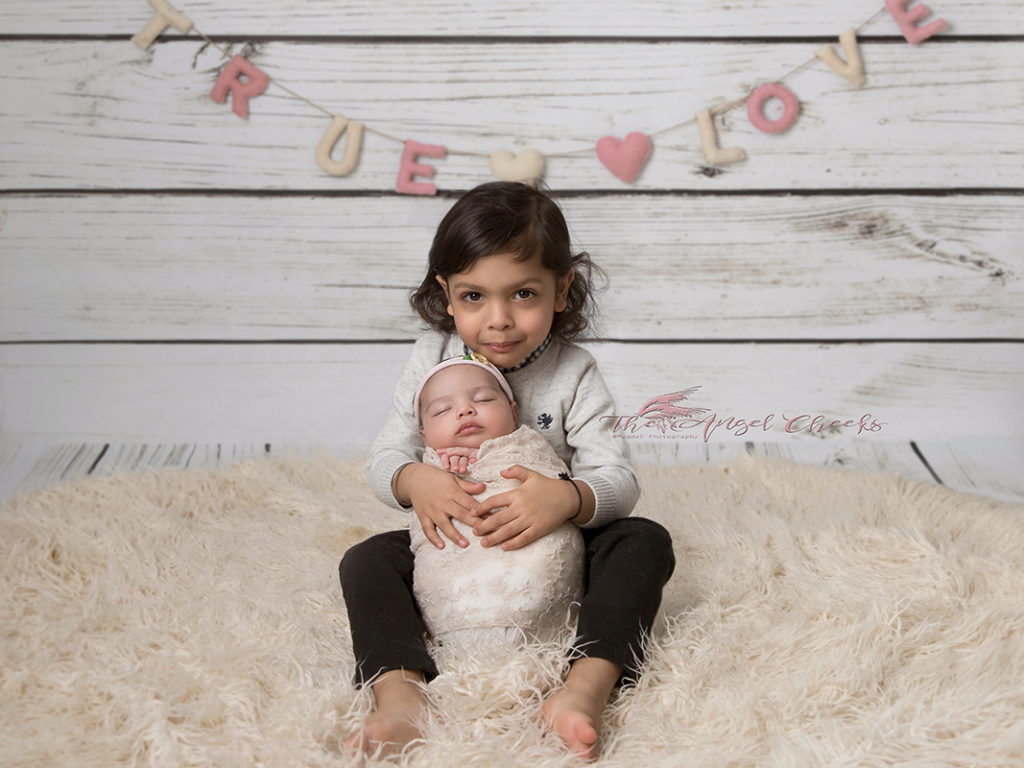 newborn photographer baby photo session High Wycombe The angel Cheeks