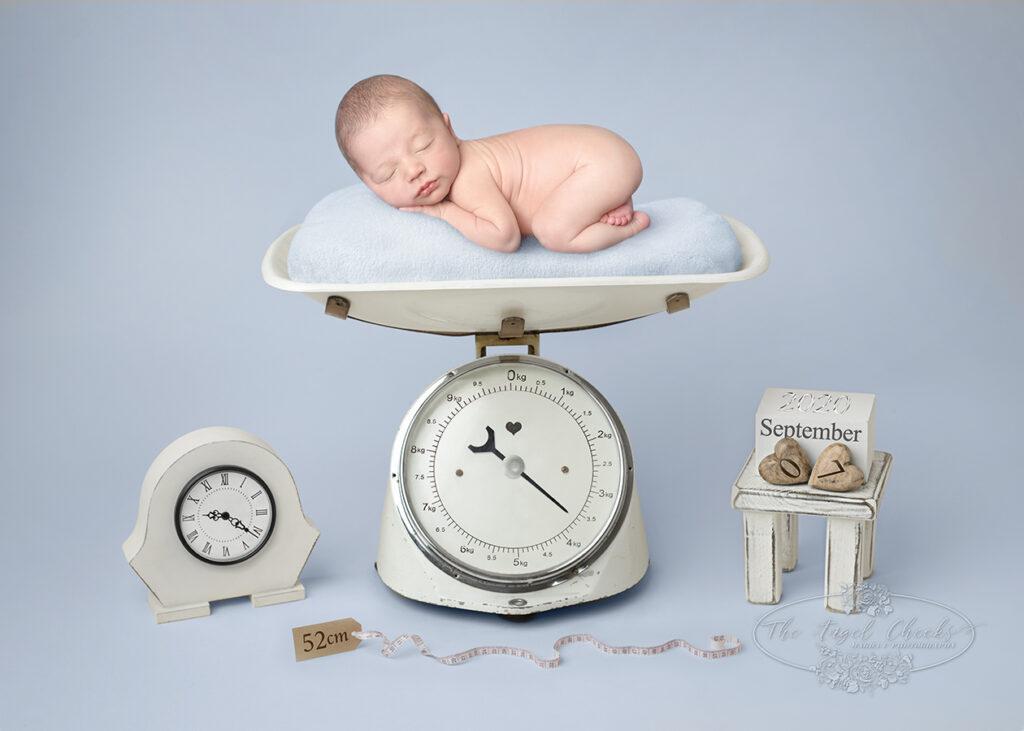 newborn baby photographer Vintageboyscales